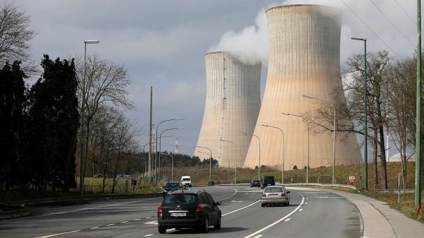 Ахен запасается йодом: насколько высок риск катастрофы на АЭС «Тианж» в Бельгии?