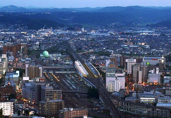 Toyota взялась построить в Фукусиме город, работающий на водороде